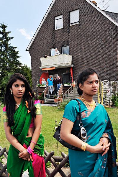http://kniestphotography.net/files/gimgs/3_tamil-diaspora-c-ingo-kniest-0257.jpg